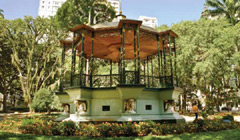Plaza Carlos Gomes