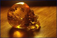 de piezas de ámbar talladas en formas hermosas e increíbles así