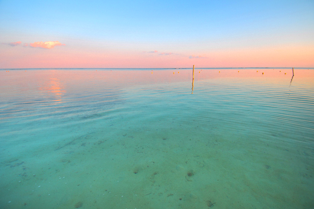 Mahahual crystal clear, bright blue waters