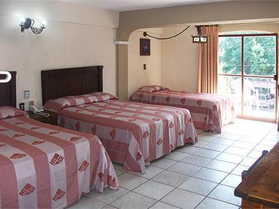 Hotel hacienda maria eugenia en acapulco m xico for Hoteles con habitaciones para cinco personas
