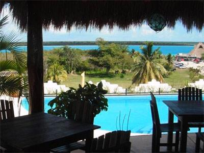 Villas bakalar en bacalar reserva de hoteles en bacalar for Hotel luxury villas bacalar