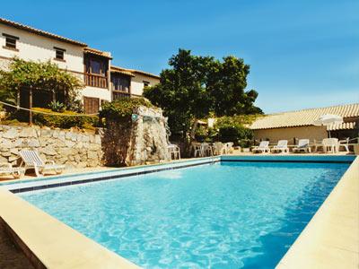 https://images.bestday.com/_lib/vimages/Buzios-Brasil/Hotels/Pousada-Gammel-Dansk/Gallery/Buzios-Pousada-Gammel-Dansk-Piscina.jpg
