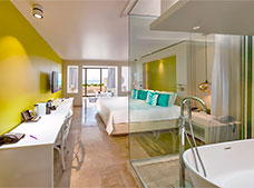 Royal Service Luxury Junior Suite Vista Lago