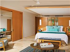 Preferred Club Master Suite Ocean View King Bed