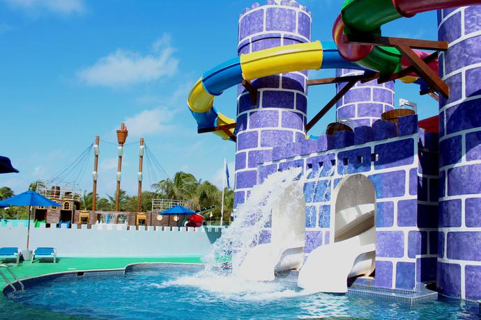 Río lento Seadust Cancun Family Resort