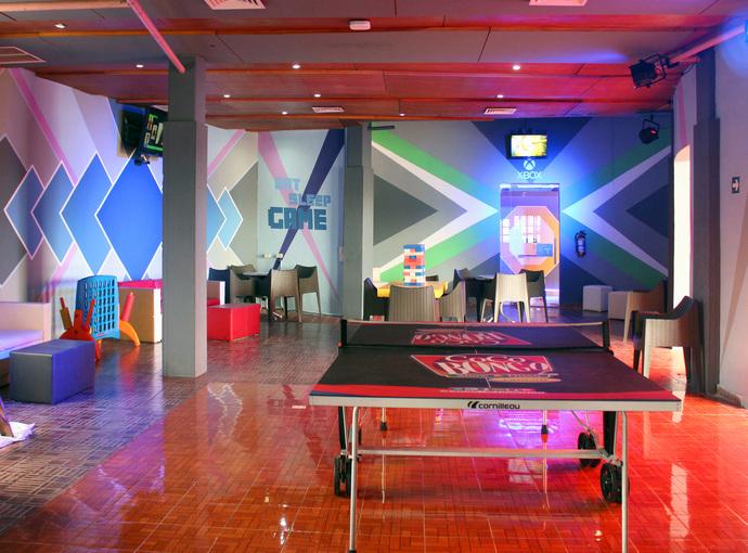 Salón de juegos Seadust Cancun Family Resort