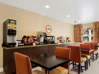 The Living Room Cafe Since 1991 Howard Johnson San Diego East El Cajon Hotel In United