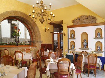 Hotel de mendoza en guadalajara reserva de hoteles en for Decoracion colonial mexicana