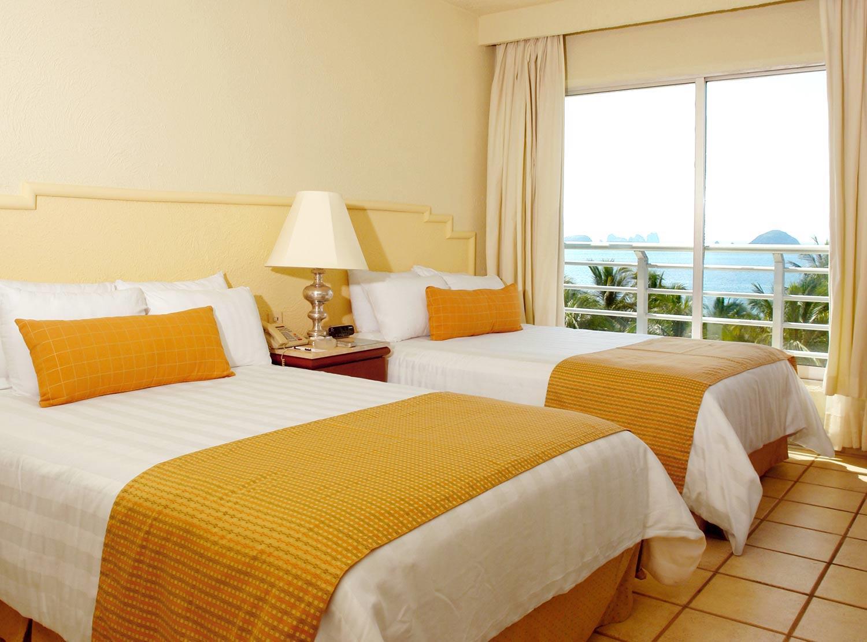 Hotel emporio ixtapa ixtapa zihuatanejo for Alquiler de habitacion en hotel familiar