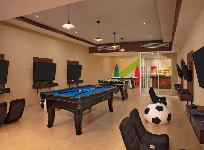 Salón de juegos Krystal Grand Los Cabos All Inclusive