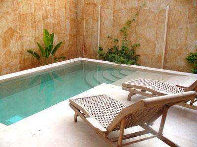 Hotel boutique casa san ngel m rida hoteles for Piscinas en patios chicos