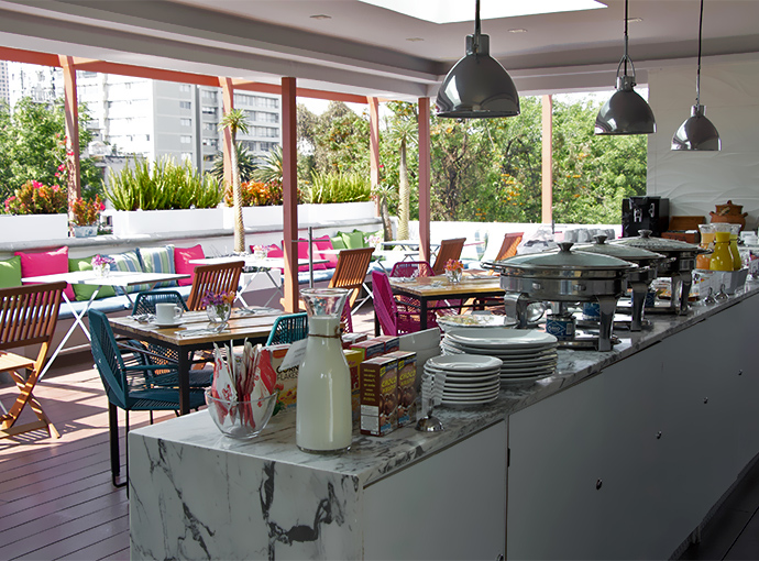 Breakfast Area Residence L'Heritage Aristoteles 225 by BlueBay