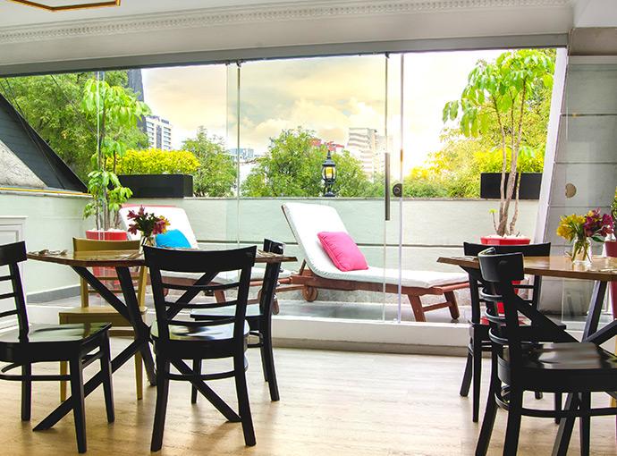 Breakfast Area Residence L Heritage Tennyson by BlueBay