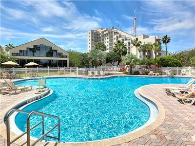 Hotel enclave suites orlando for Pool show orlando florida