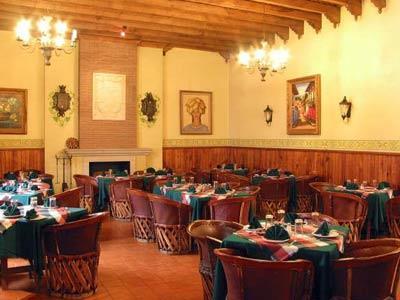 Hotel la parroquia en p tzcuaro reserva de hoteles en for Los azulejos restaurante mexicano