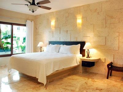 El taj ocean front and beachside condo hotel playa del for Hoteles con habitaciones para cinco personas
