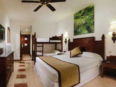 Hotel riu lupita en playa del carmen for Habitacion familiar riu playa blanca