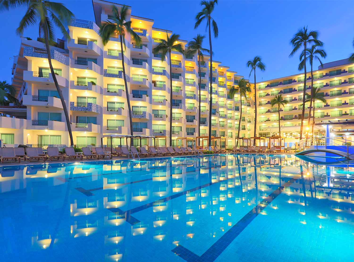 Crown Paradise Golden All Inclusive Resort S Only In Puerto Vallarta Mexico Hotel Booking