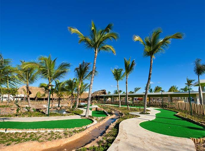 Minigolf Barcelo Bavaro Beach Adults Only