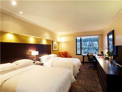 Habitaciones en el Hotel Sheraton Quito, Quito Ecuador