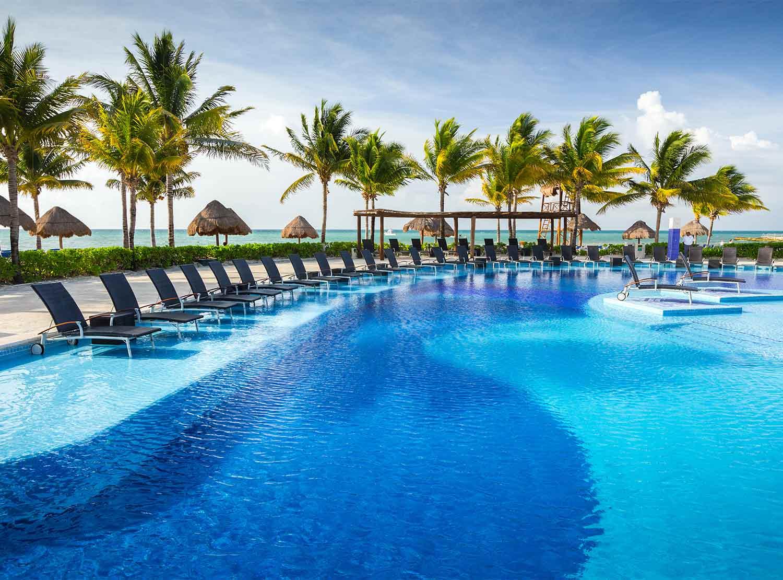 Pool (s) BlueBay Grand Esmeralda - All Inclusive