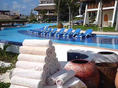 Desire pearl resort and spa riviera maya - Toallas piscina ...