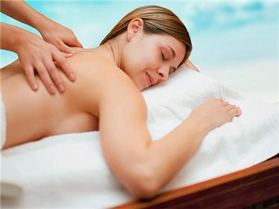Deportes acuáticos masajes a culonas