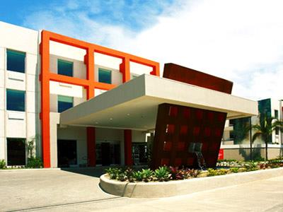 Hotel holiday inn express san jos forum for Fachadas hoteles minimalistas