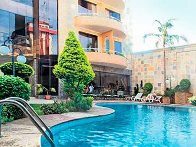 Hotel canciller en santa cruz reserva de hoteles en santa for Piscinas en santa cruz
