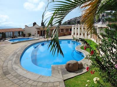 Hotel loma linda in taxco mexico taxco hotel booking for Piscinas lindas