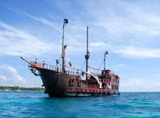 Tour Isla Mujeres Pirate Adventure Jolly Roger