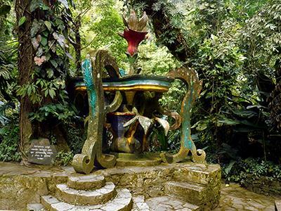 Jardin surrealista tour in xilitla and huahuas ciudad for Jardin xilitla
