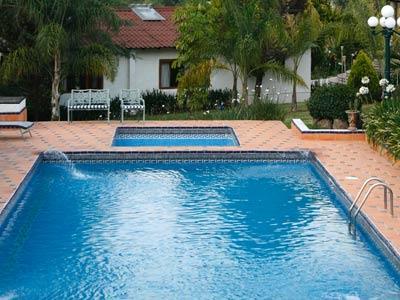 Hotel el rebozo en valle de bravo reserva de hoteles en - Hotel valle aurina con piscina ...