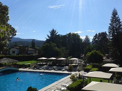 Hotel parador av ndaro valle de bravo for Paradores con piscina climatizada