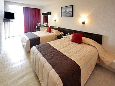 Habitaciones en el Hotel Howard Johnson Veracruz, Veracruz ...