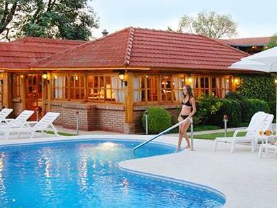San isidro spa and resort en villa carlos paz reserva de - Piscina san carlo ...
