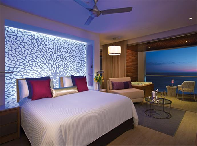 Xhale Club Junior Suite King Frente al Mar